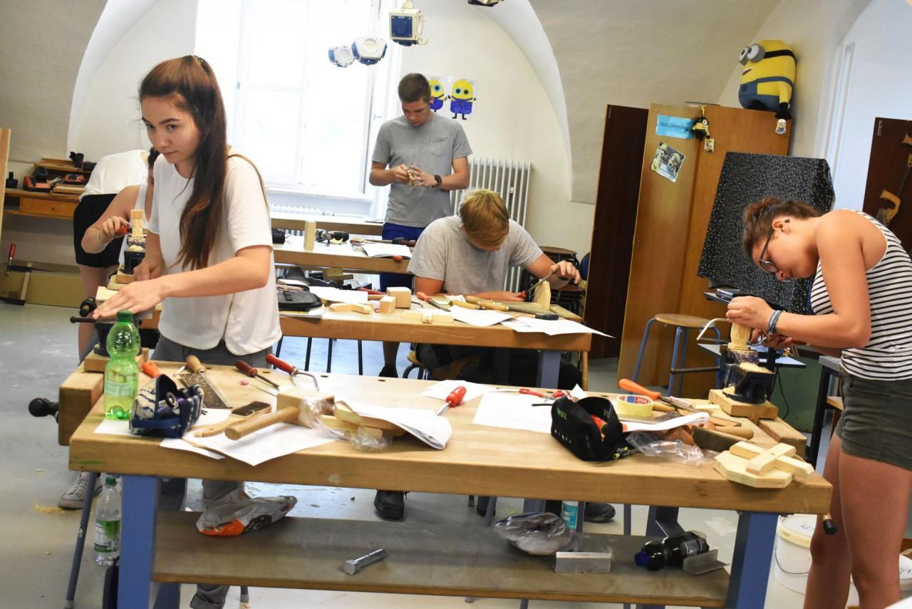 Blumenhocker – Abschlussprüfung in der Werk-Klasse
