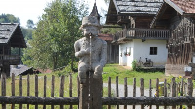 a-napoleonbrunnen-museumsdorf.JPG