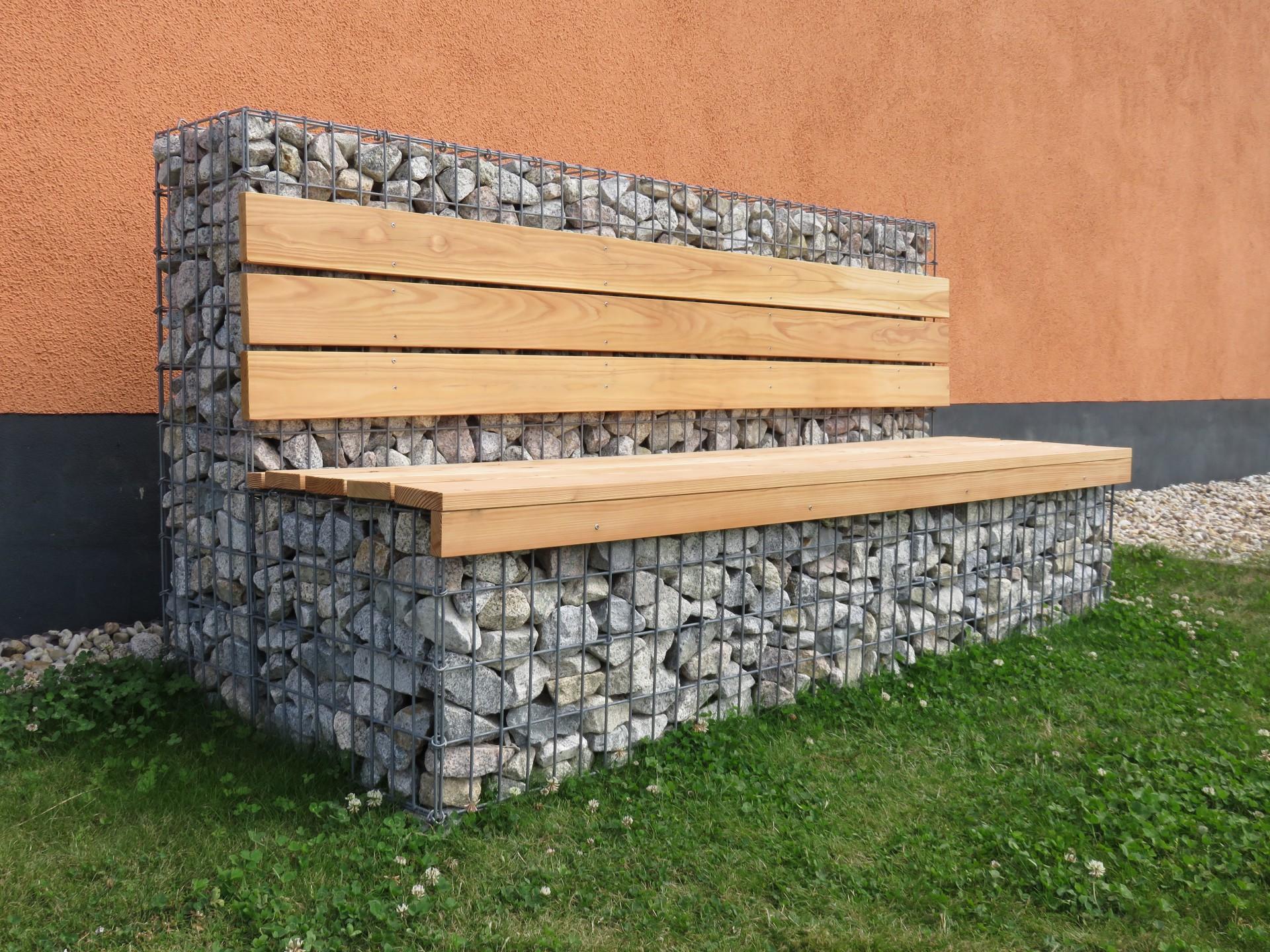 Sitzbank aus Gabionenkörben